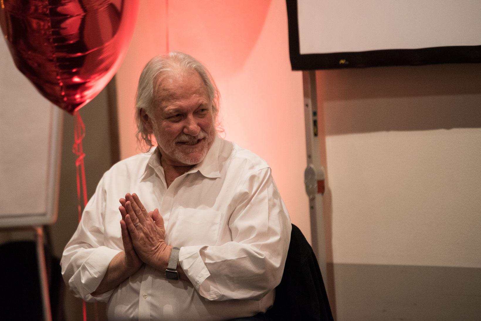 Alan Finger är en av världens mest kända mästare inom yoga och meditation.
