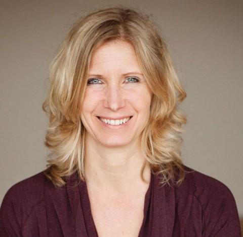 Esther Ekhart är ansiktet utåt och grundaren av EkhartYoga.com. I april kan du yoga för henne på Yoga Games i Göteborg.