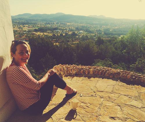 Yogasemestern på paradisön Ibiza ledde till en livslång vänskap för Sofia.