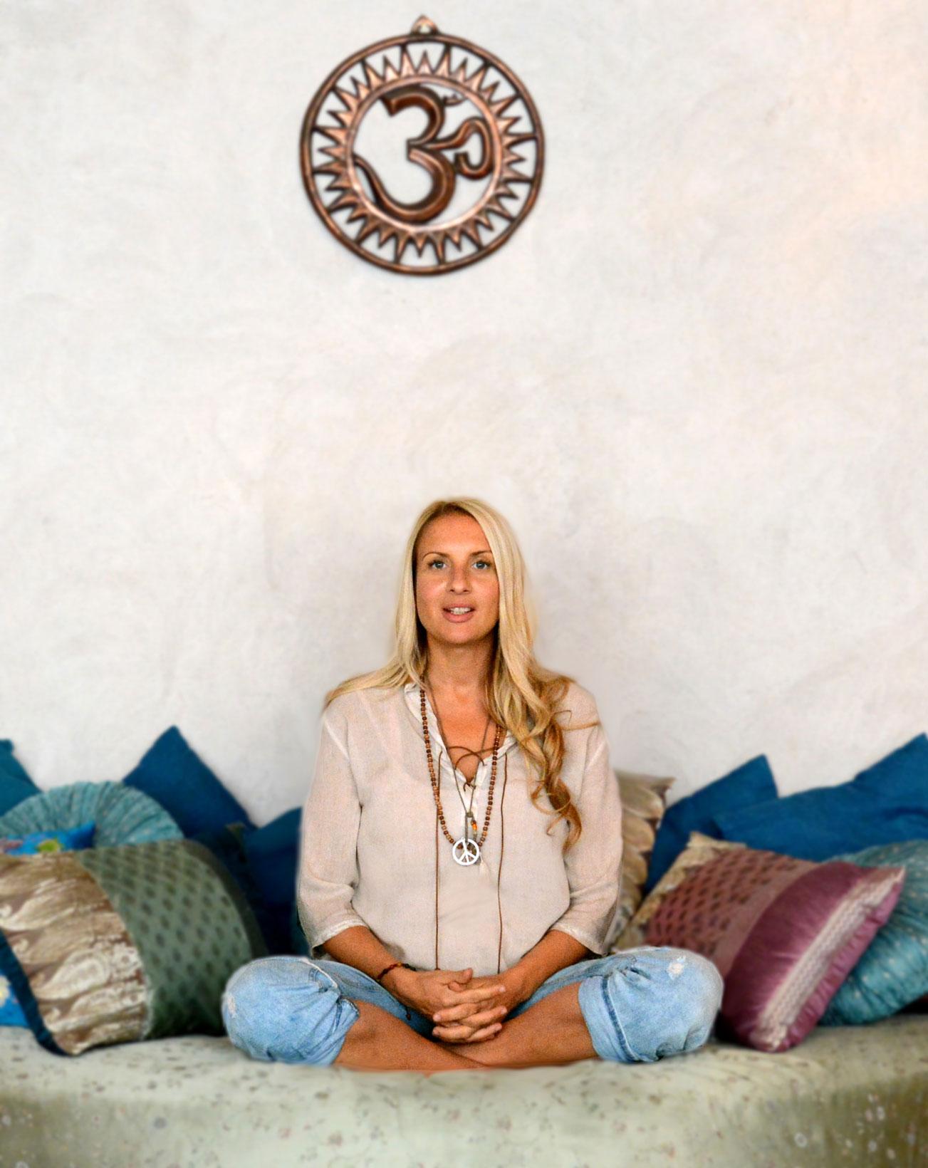 Annika Panotzki driver Conscious Life Center på Södermalm i Stockholm tillsammans med livskärleken och yogin Fredrik Binette.